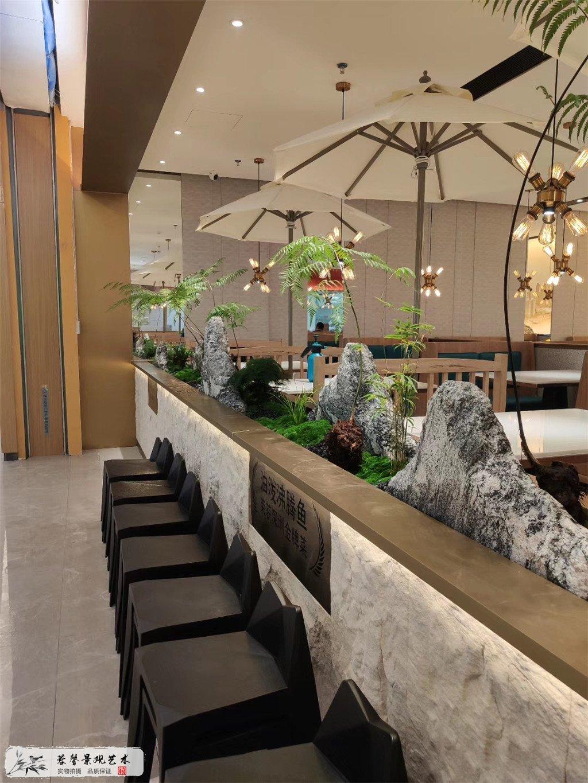 成都仿真植物餐厅装饰案例,愉悦川菜 (1)